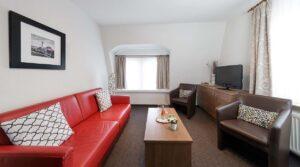 Wohnbereich im Doppelzimmer im Hotel Zur Post in Cuxhaven Duhnen