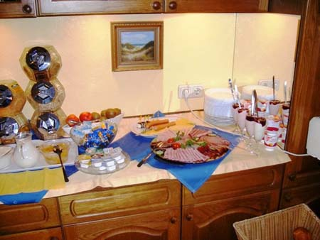 Fruehstuecksbuffet in der Pension