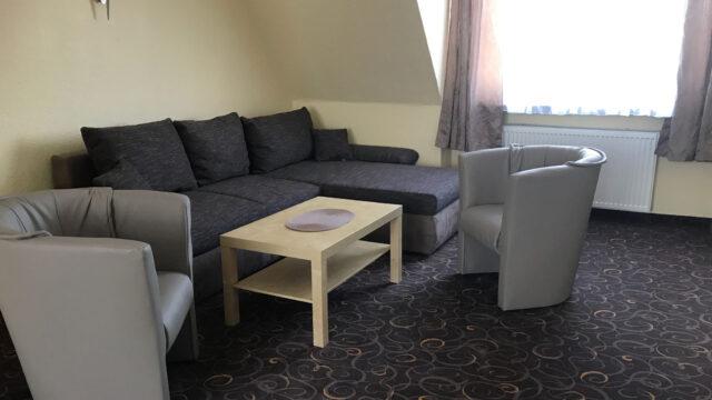 Wohnbereich im Studio im Hotel Seemeile in Cuxhaven Döse