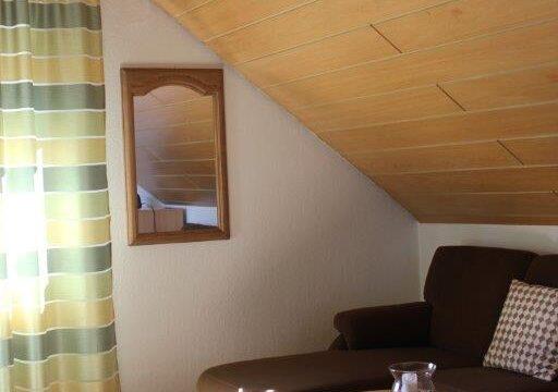 Zimmer 9 Wohnbereich in der Pension Witten Höhen in Cuxhaven Sahlenburg